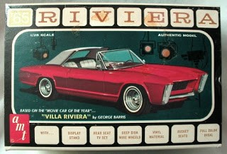 Speaking of successful, AMT was so impressed with the Villa Riviera that they featured it as a build option for their 1963 Riviera 1/25 Scale Model. Note the groovy 1960's graphics.