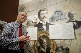 Mark Johnson opening the Klingberg History Museum in New Britain, 2014 (Photo Hartford Courant)