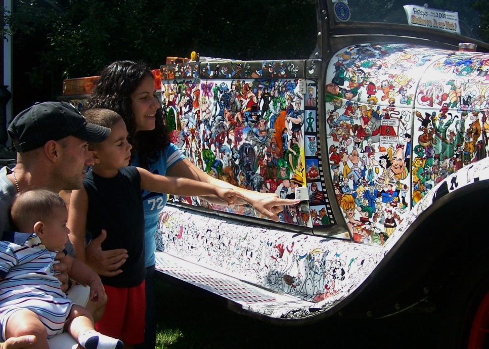 "Kids and adults love recognizing the characters on the ""Car-toon"" Truck (Photo Robert Luczun)"